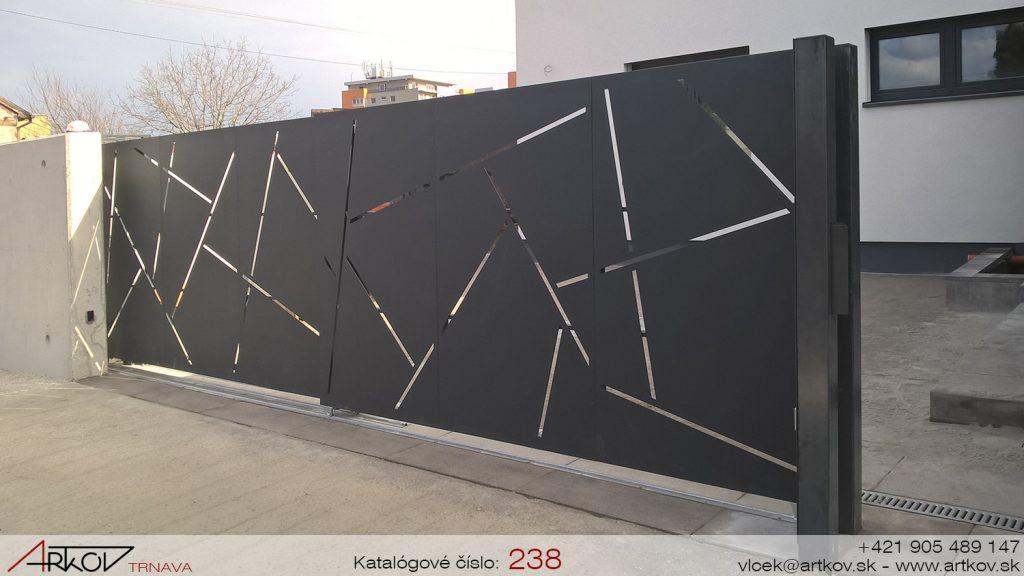 ARTkov Trnava-TELESKOPICKÉ brány-PLOTY